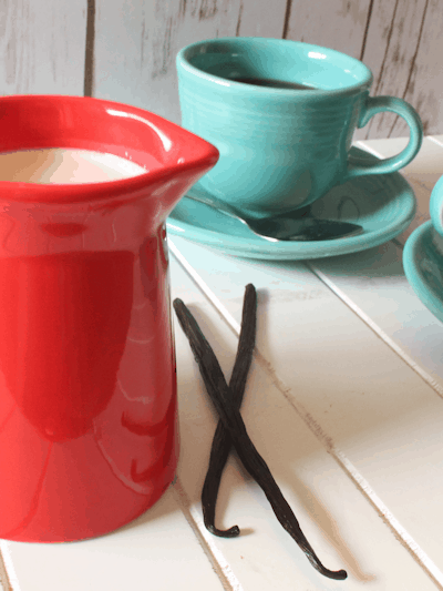 Homemade Flavored (or Not) Coffee Creamer – 20+ Flavor Combo Ideas